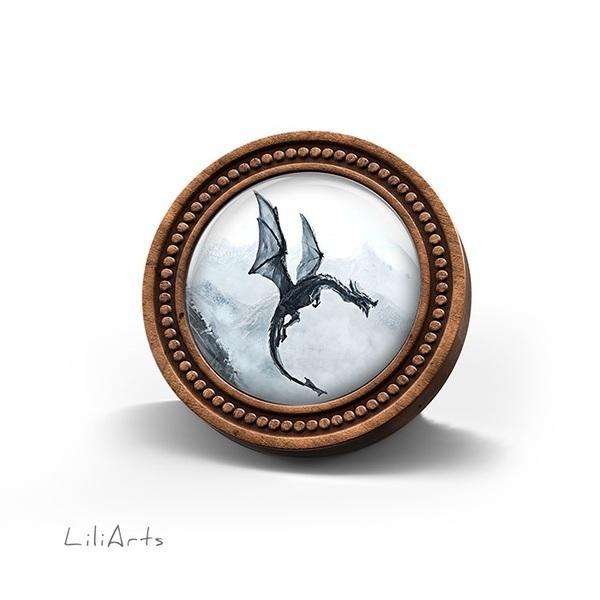 Broszka drewniana LiliArts - Czarny smok