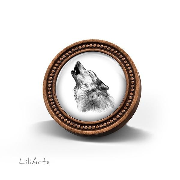 Broszka drewniana LiliArts - Wilk - Into the wild