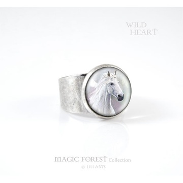 Liliarts ring - White horse